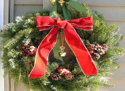 Christmas Wreath on a Dor